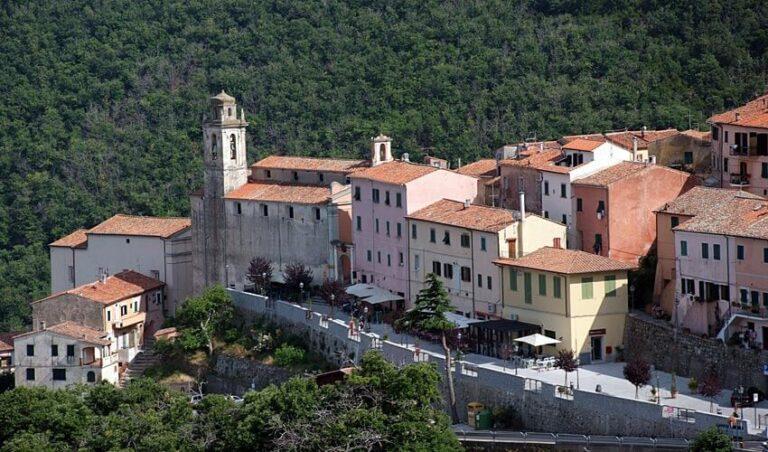 Il paese di Marciana all'Isola d'Elba