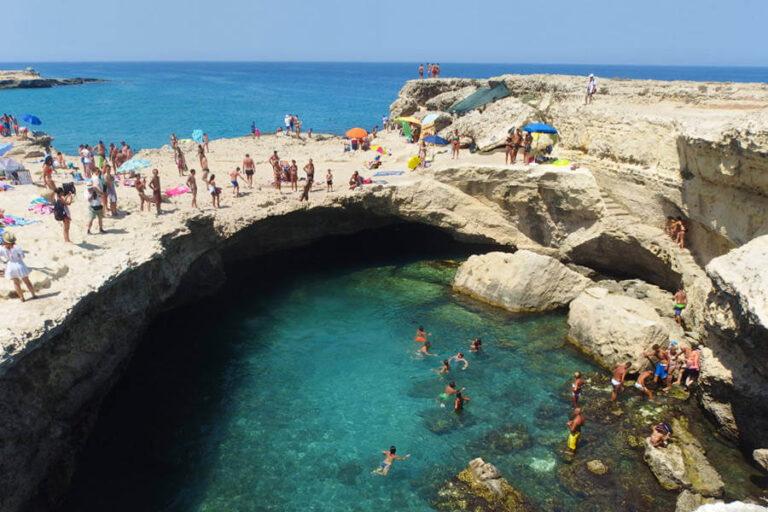 Grotta della Poesia - Roca Vecchia